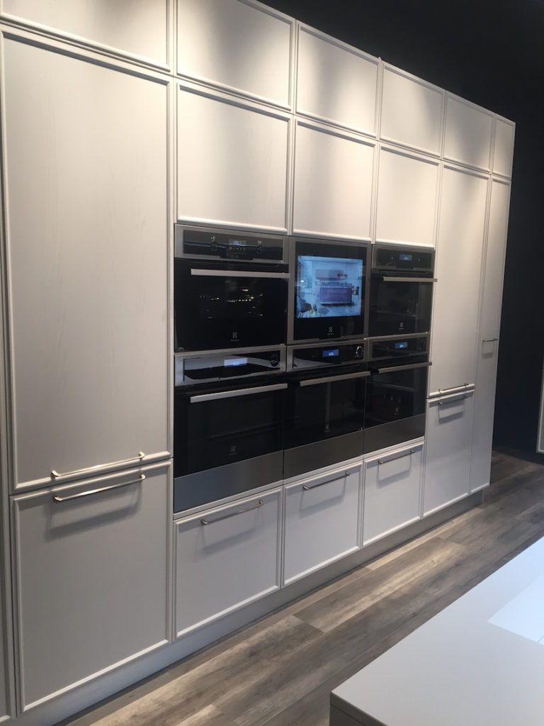 horizontal stacked cabinet handles