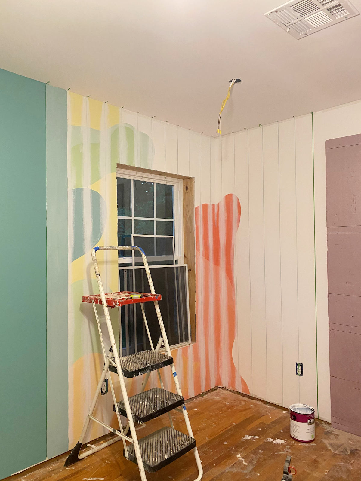 home gym walls with gradient stripes 4