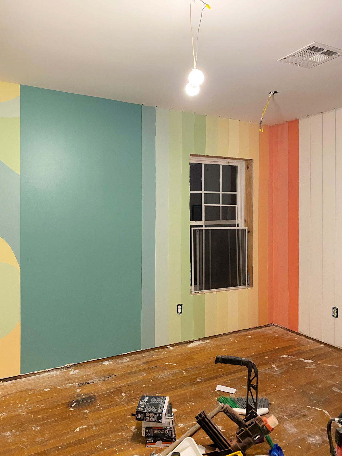 home gym walls with gradient stripes 5